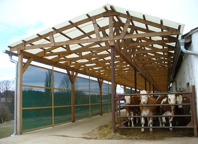 POLYESTER SHEETS IN AGRICULTURAL APPLICATIONS