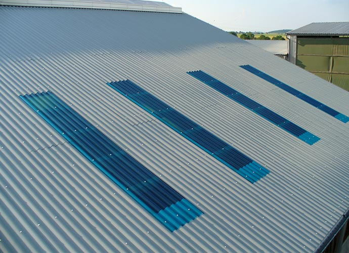 POLYESTER SHEETS FOR INDUSTRIAL BUILDINGS